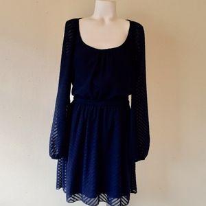 SPEECHLESS Navy Blue Long Sleeve Dress